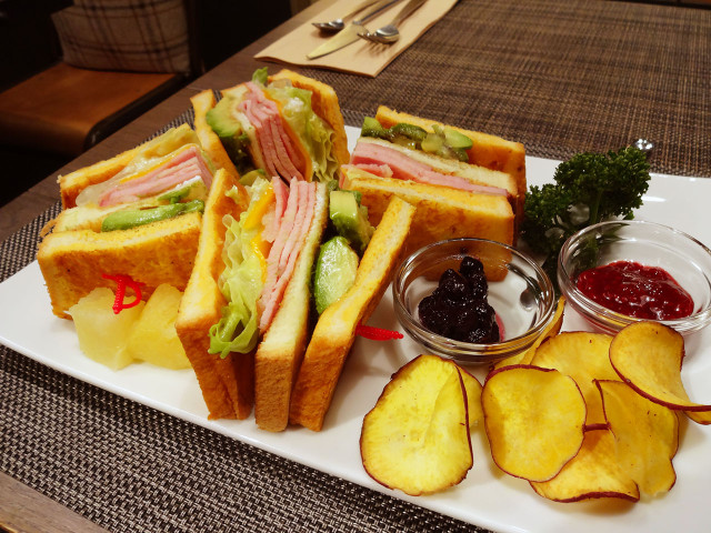 sandwicheshouse55_004